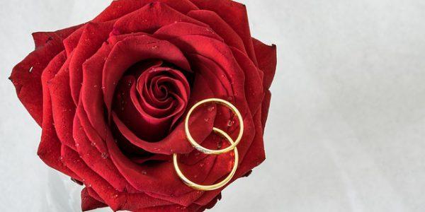 Obrączki ślubne - jakie wybrać? Poradnik